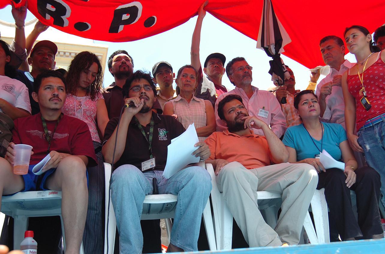 http://www.elrevolucionario.org/IMG/jpg/fiscales_honduras.jpg