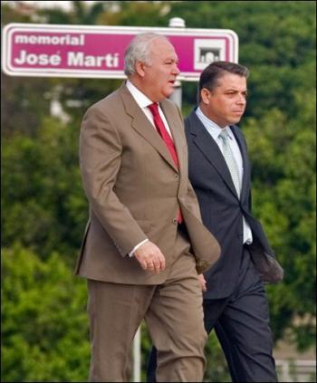 Ley del Embudo y no el carril de doble vía que cacareaba Moratinos